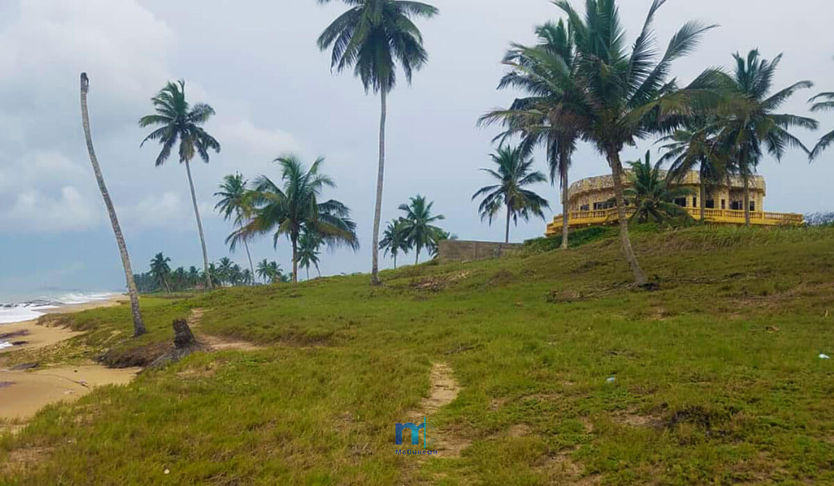Property-Image--OceanFront-Land-For-Sale-In-AMPENYI-15--Mcduncan-Properties-min