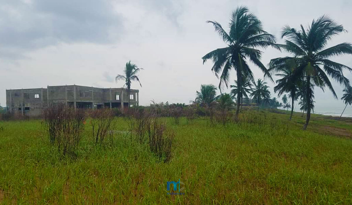 Property-Image--OceanFront-Land-For-Sale-In-AMPENYI-2--Mcduncan-Properties-min